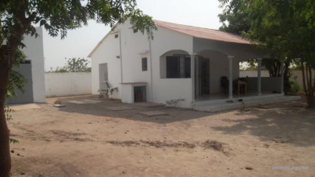 V2356 Villade2chambres en vente à TOUBACOUTA chez www.immobilierlalagnue.com