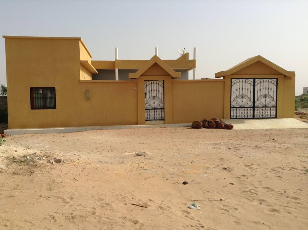 Vente villa terrain 300 m2 saly s n gal r f v1947 for Acheter une maison au senegal a saly
