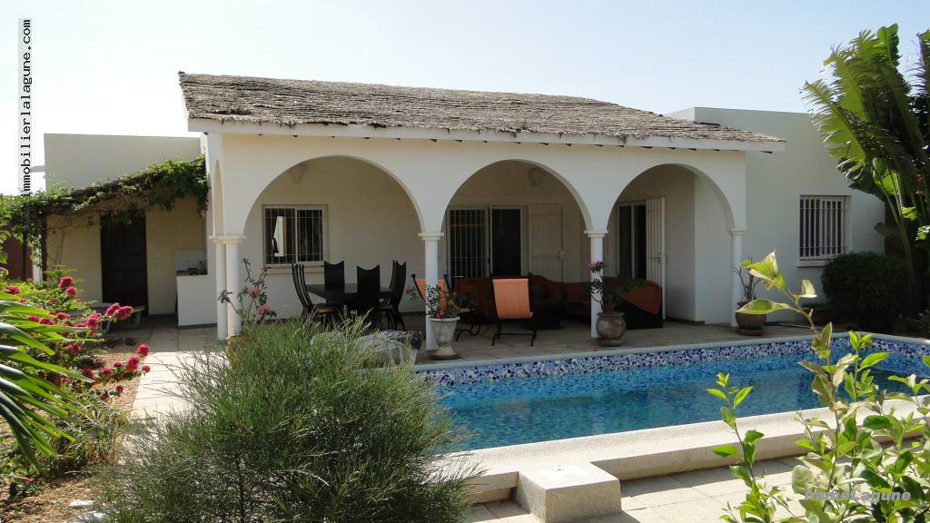 Villa en location ngaparou ref l2088 for Recherche jardinier 77